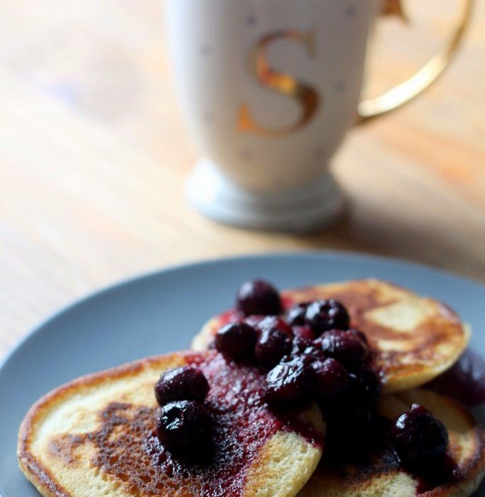 Buttermilk pancakes with blueberries recipe